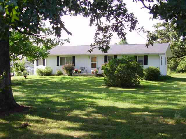 http://www.cb-lakecountry.com/properties-search/details/?mlsnum=366958&aid=504&agt=0&anch=1&page=1&price=any&rangel=&rangeh=&propertytype=any&city=any&county=any&zipcode=any&bedrooms=any&bathrooms=any&sqft=any&acres=any