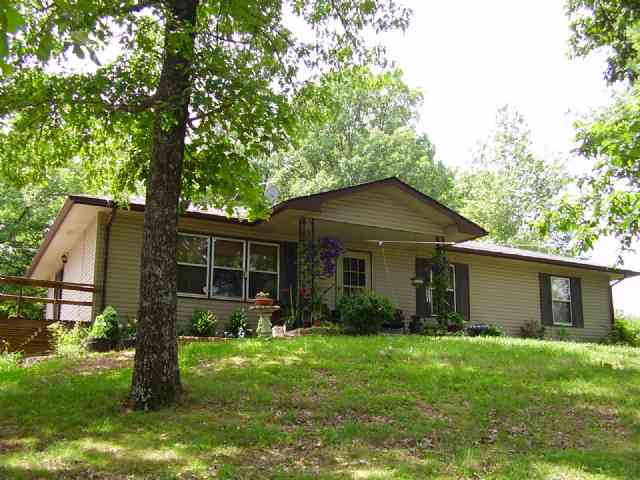 http://www.cb-lakecountry.com/properties-search/details/?mlsnum=397203&aid=504&agt=0&anch=1&page=1&price=any&rangel=&rangeh=&propertytype=any&city=any&county=any&zipcode=any&bedrooms=any&bathrooms=any&sqft=any&acres=any