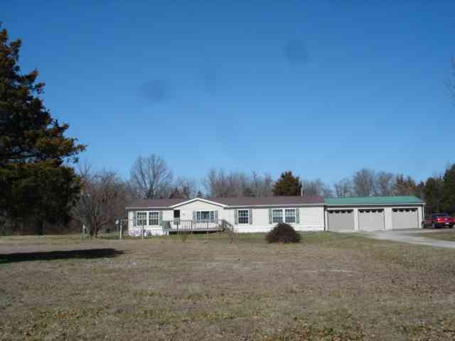 http://www.century21scr.com/properties-search/details/?mlsnum=437399&aid=98&agt=0&anch=1&page=1&price=any&rangel=&rangeh=&propertytype=any&city=any&county=any&zipcode=any&bedrooms=any&bathrooms=any&sqft=any&acres=any