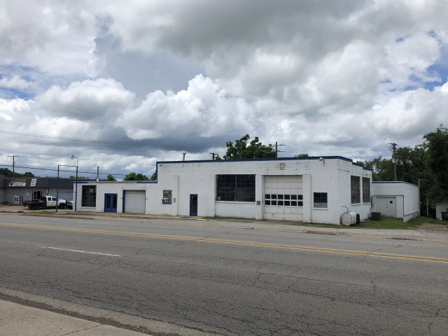 Commercial for sale –  Berryville,